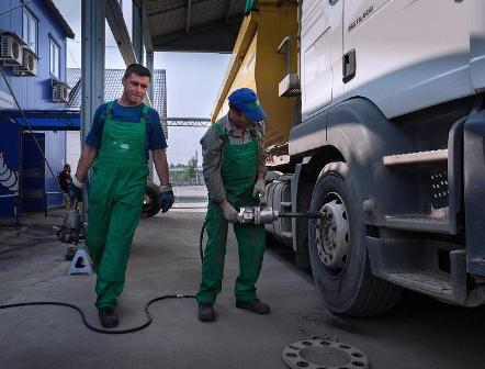 Особенности грузового шиномонтажа