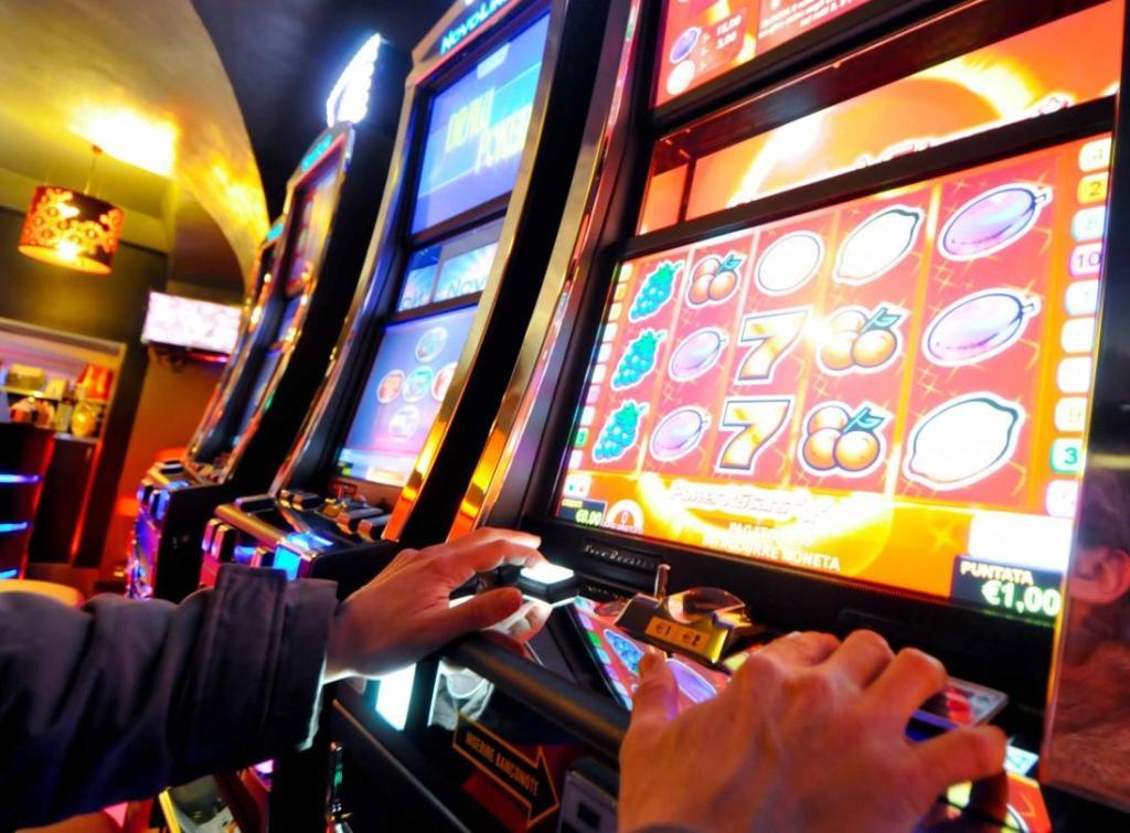 Шанс казино кто играл скачать игровые автоматы слоты на телефон